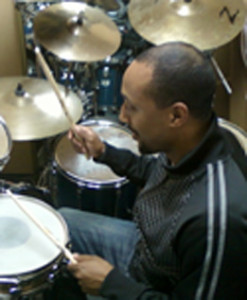 how-to-play-drums-lawrence